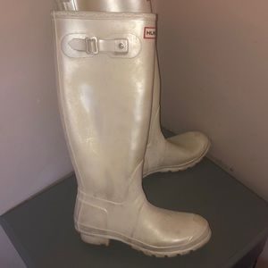 Hunter tall rainboots sz 8 white boots